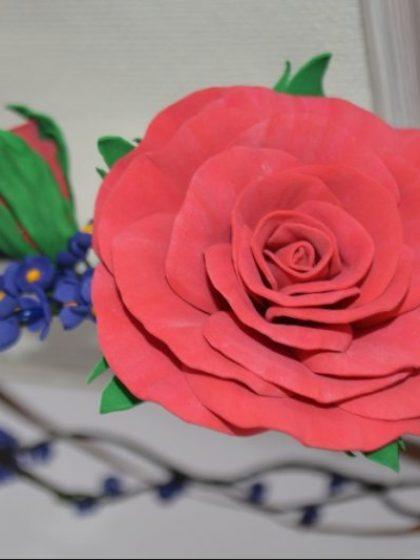 Вінок для волосся червона троянда