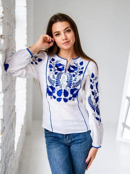 Вишукана вишиванка Версавія біла з синім