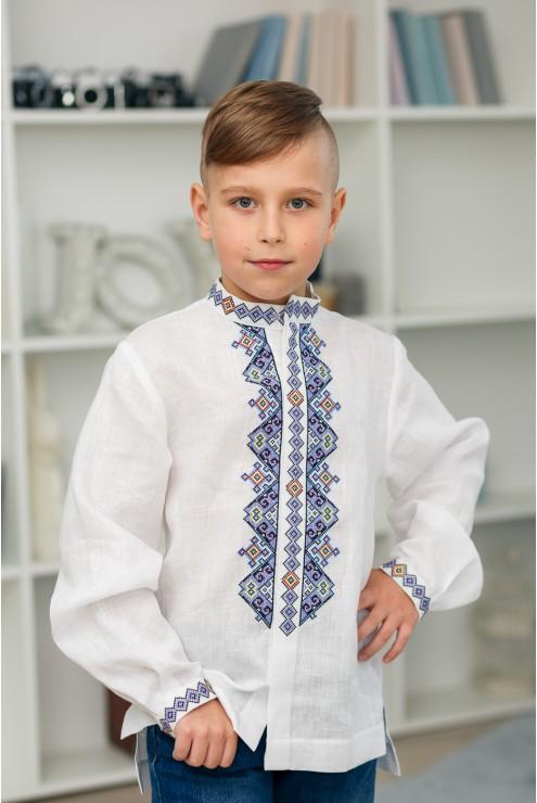 Сорочка з синьою вишивкою