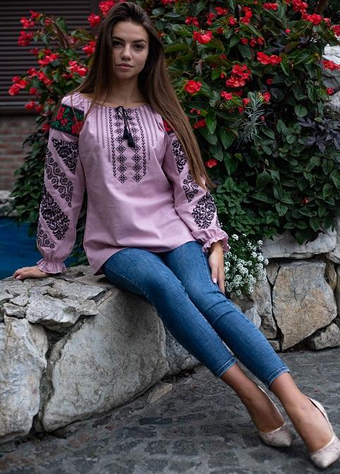Вишивана блуза рожева з чорним