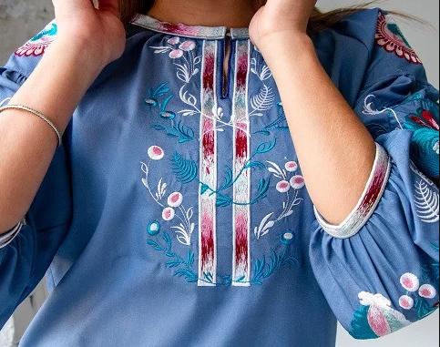 сорочка-блузка з весняною вишивкою