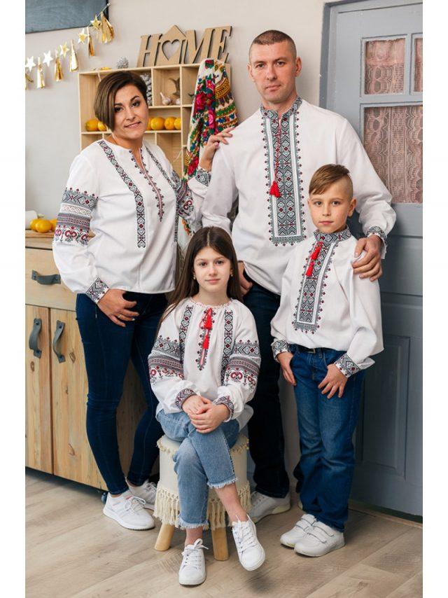 Вишиванки для сім'ї у чевоно-чорному кольорі