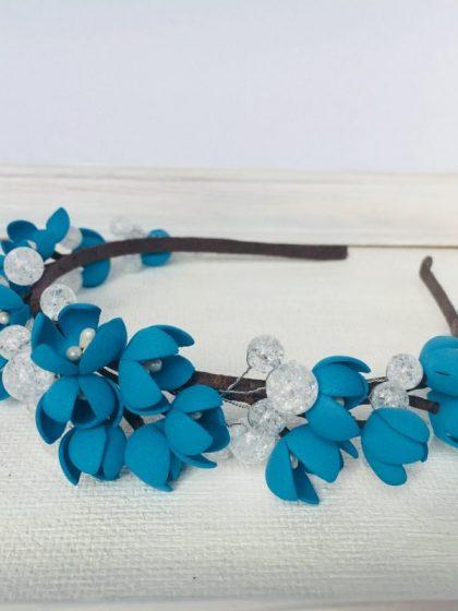 Обруч з синіми квітами та намистинами