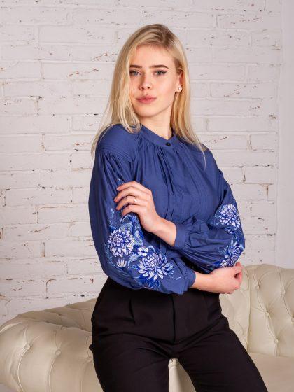 Вишивана блуза голуба симфонія
