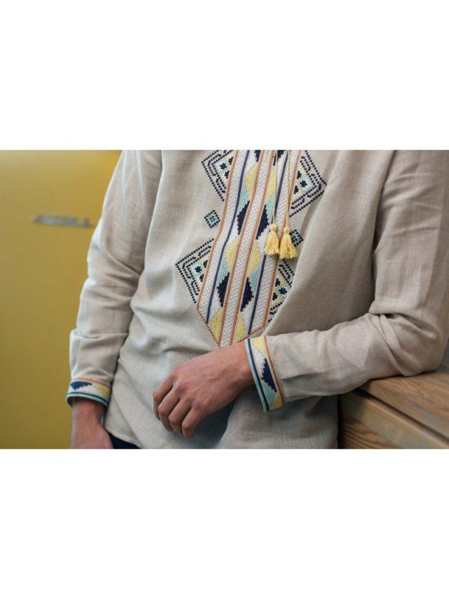 Зручна сорочка з домотканого полотна