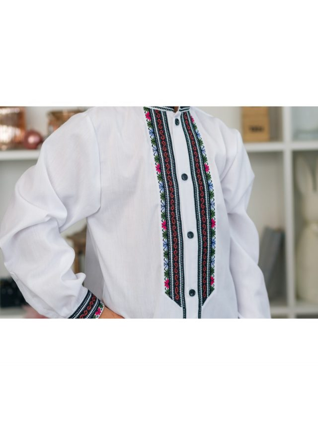 Вишивана сорочка з бавовни