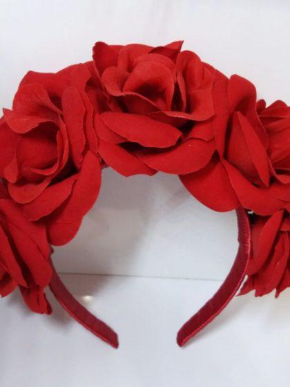 Червоний обруч з трояндами