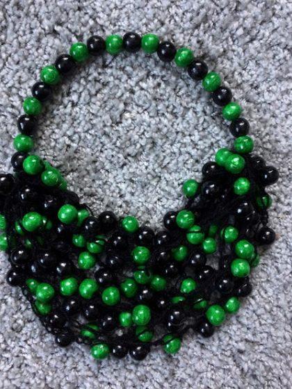 Намисто зелене з чорним ручної роботи