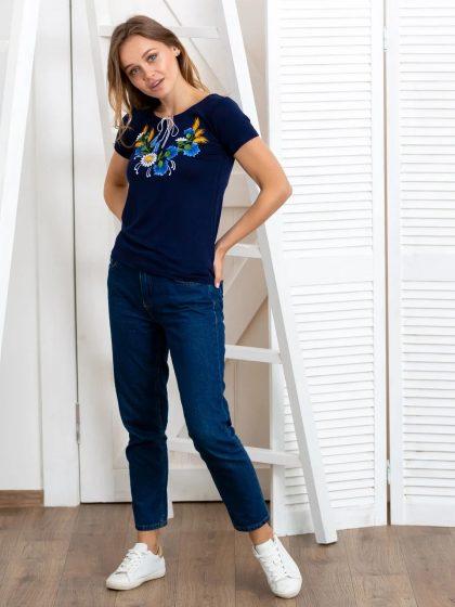 Жіноча футболка з квітами
