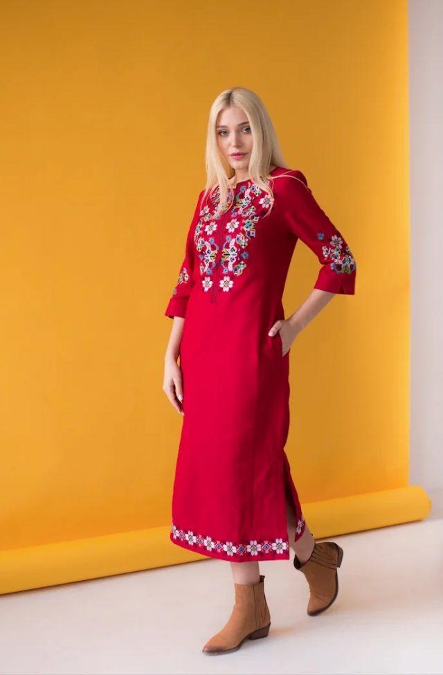 Сукня з вишивкою Ровена темно-червона