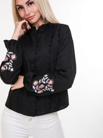 Сорочка чорна з яскравими вишитими квітами для дівчат