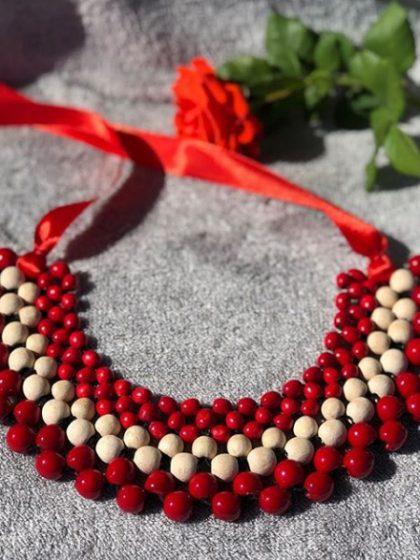 Плетене намисто червоне