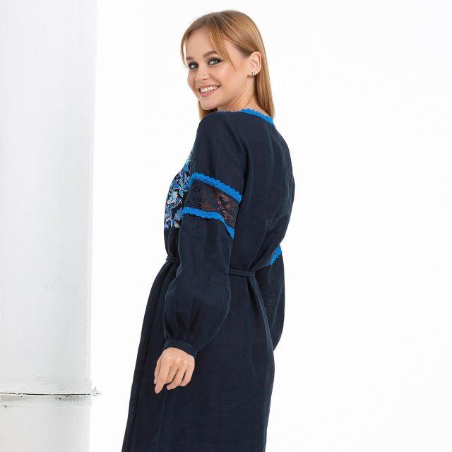 Синя сукня вишиванка з квітами Трембіта