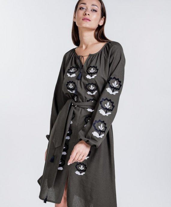 Сукня-вишиванка кольору хакі з квітковою вишивкою
