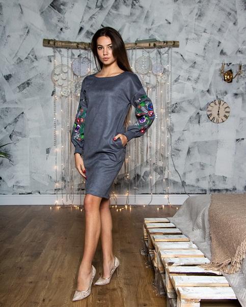 Сукня з вишивкою Амелія сірого кольору