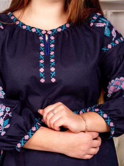 Вишукана темно-синя сукня для вишуканих форм